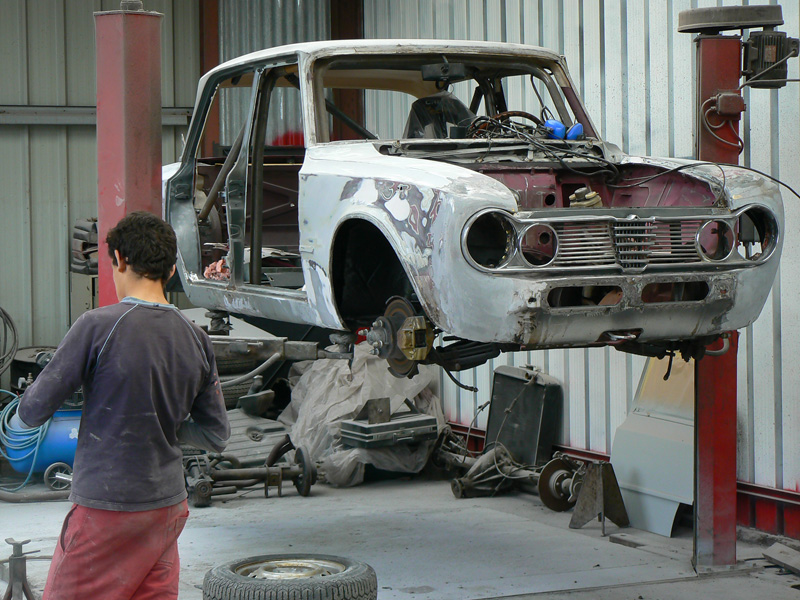 Garage espace century galerie photo restauration des voitures en cours de restauration - Garage restauration voiture ...
