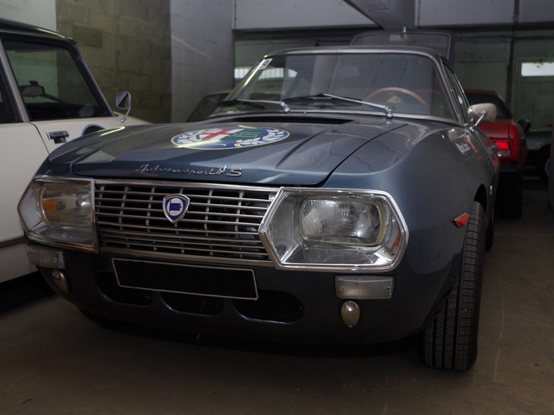 garage espace century v hicule vendre lancia fulvia zagato. Black Bedroom Furniture Sets. Home Design Ideas